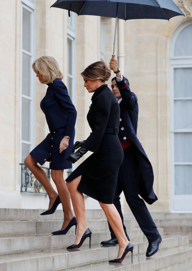 Brigitte Macron, wife of French President Macron, greets U.S. first lady Melania Trump at the Elysee Palace on the eve of the commemoration ceremony for Armistice Day, 100 years after the end of the First World War, in Paris, France, November 10, 2018. REUTERS/Carlos Barria