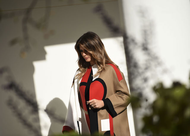 US First Lady Melania Trump arrives prior to the annual Turkey pardoning ceremony at the White House in Washington, DC, on November 20, 2018. (Photo credit: BRENDAN SMIALOWSKI/AFP/Getty Images)