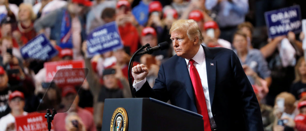 U.S. President Donald Trump acknowledges supporters during a campaign rally in Cleveland, Ohio., U.S., November 5, 2018. REUTERS/Carlos Barria