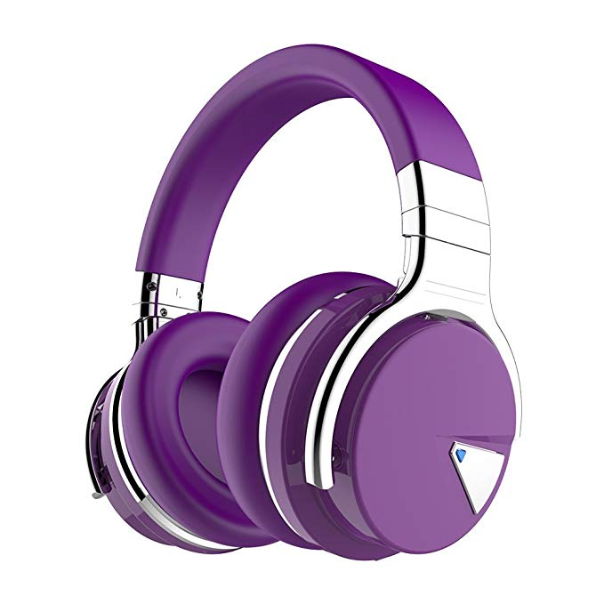 These noise cancelling headphones are 30 percent off today (Photo via Amazon)
