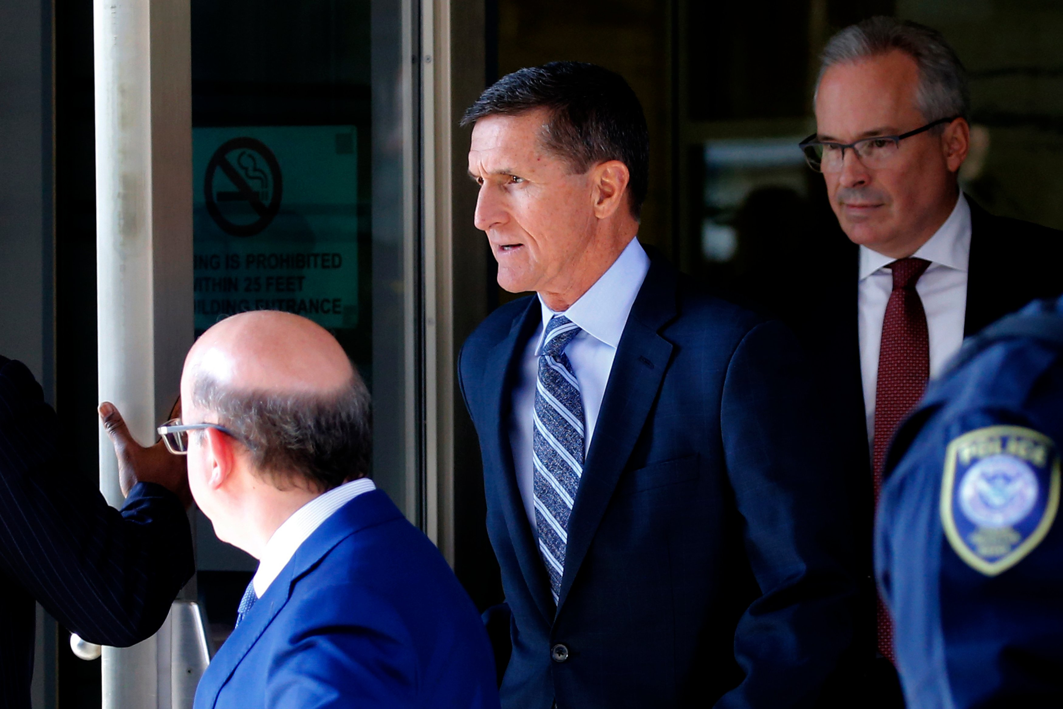 Michael Flynn knew better than to lie to the Federal Bureau of Investigation : prosecutors