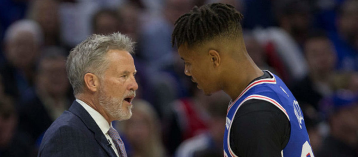 PHILADELPHIA, PA - OCTOBER 18: Head coach Brett Brown talks to Markelle Fultz #20 of the Philadelphia 76ers against the Chicago Bulls at the Wells Fargo Center on October 18, 2018 in Philadelphia, Pennsylvania. (Photo by Mitchell Leff/Getty Images)