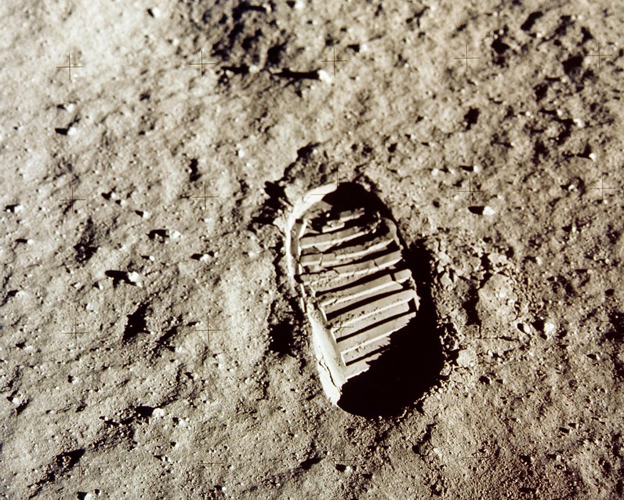 - FILE PHOTO JULY 1969 - Close-up view of an Apollo 11 astronaut's footprint in the lunar soil photographed with a 70mm lunar surface camera during the Apollo 11 extravehicular acitivty on the moon in this July 1969 file photo. The 30th anniversary of the Apollo 11 mission is July 16 (launch) and July 20 (landing on the moon).