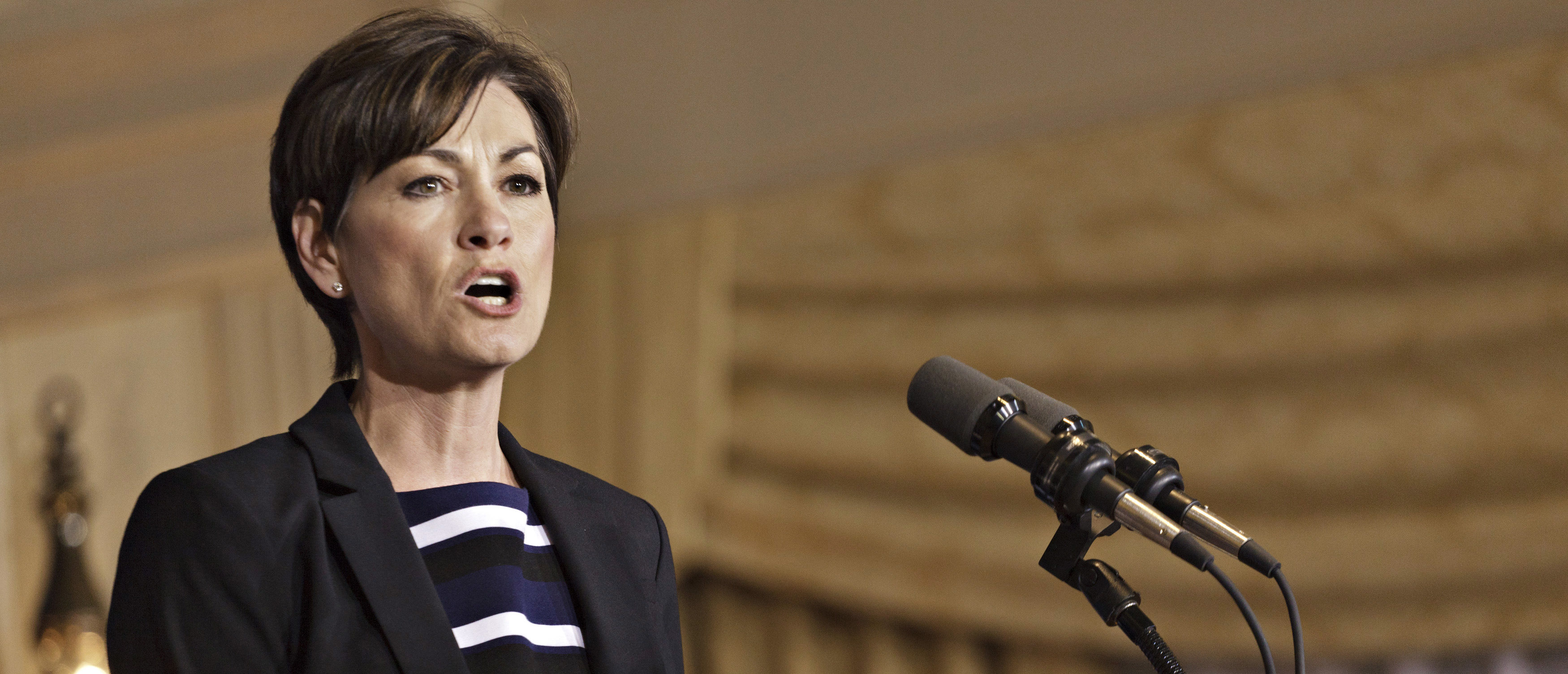 Federal Judge Temporarily Blocks Iowa Abortion Law Requiring Waiting Periods, Ultrasounds