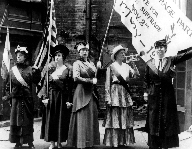 Suffragettes in San Francisco, 1915.[Shutterstock - Everett Historical]