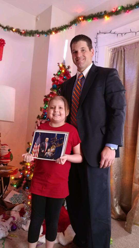 Secret Service Hand-Delivers Christmas Letter From Trump To 10-Year-Old With Brain Tumor