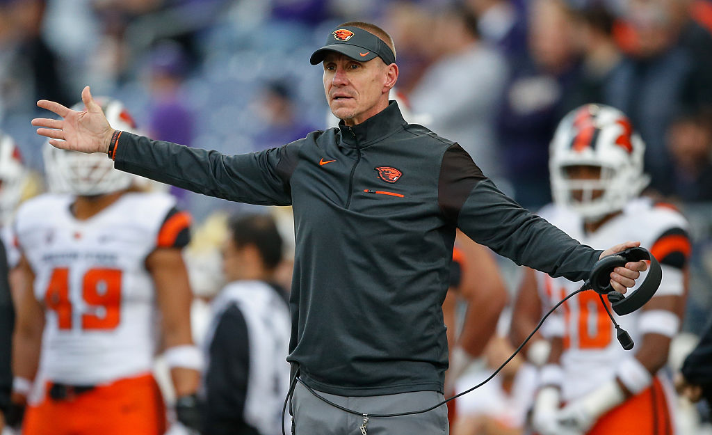 SEATTLE, WA - OCTOBER 22: Head coach Gary Andersen of the Oregon State Beavers gestures from the sidelines on during the game against the Washington Huskies on October 22, 2016 at Husky Stadium in Seattle, Washington. The Huskies defeated the Beavers 41-17. (Photo by Otto Greule Jr/Getty Images)