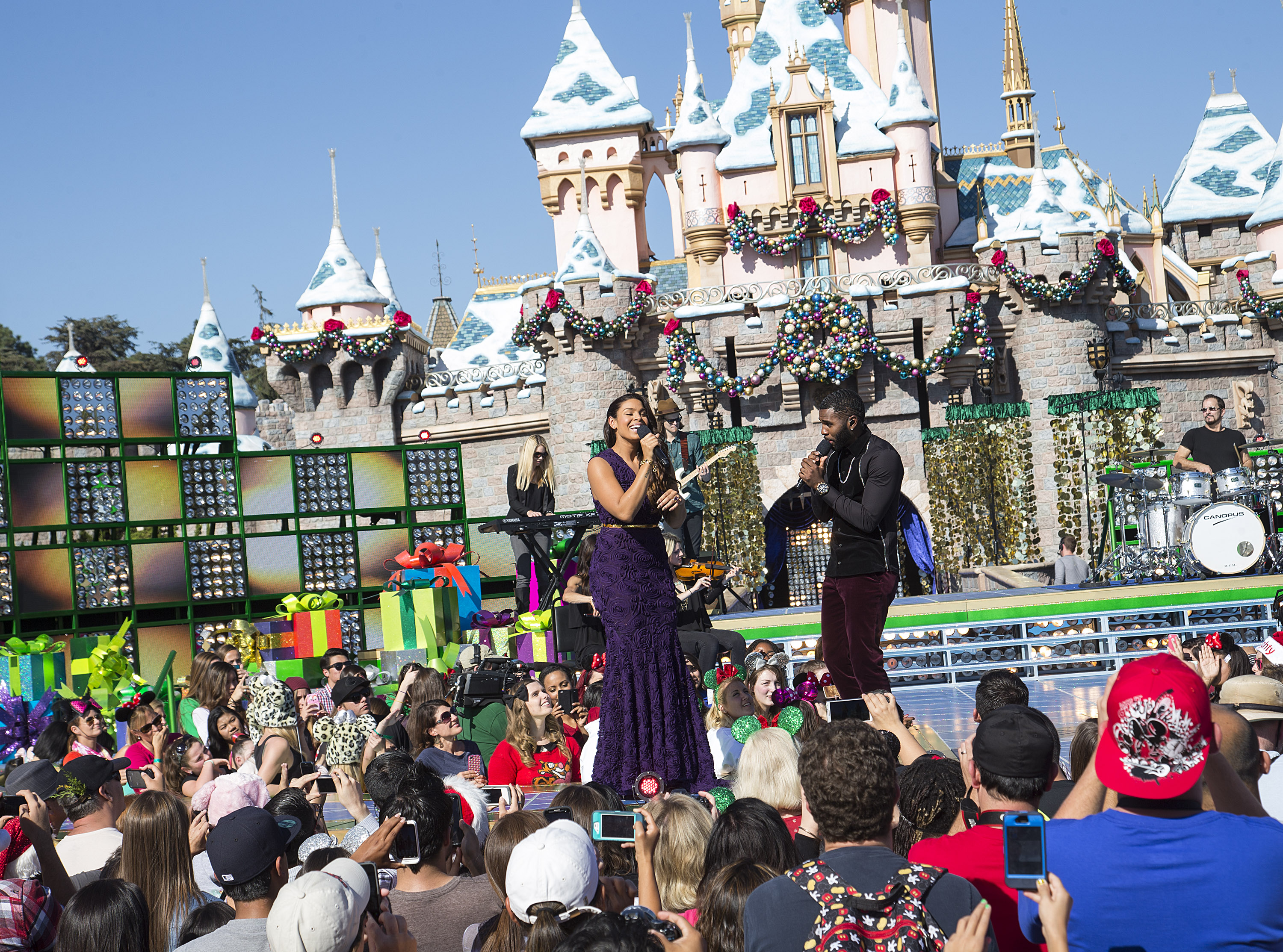 Jordin Sparks and Jason Derulo perform 'Baby It's Cold Outside' during a taping for the 'Disney Parks Christmas Day Parade' television special at Disneyland on November 9, 2013 in Anahiem, California. (Photo by Paul Hiffmeyer/Disney Parks via Getty Images)