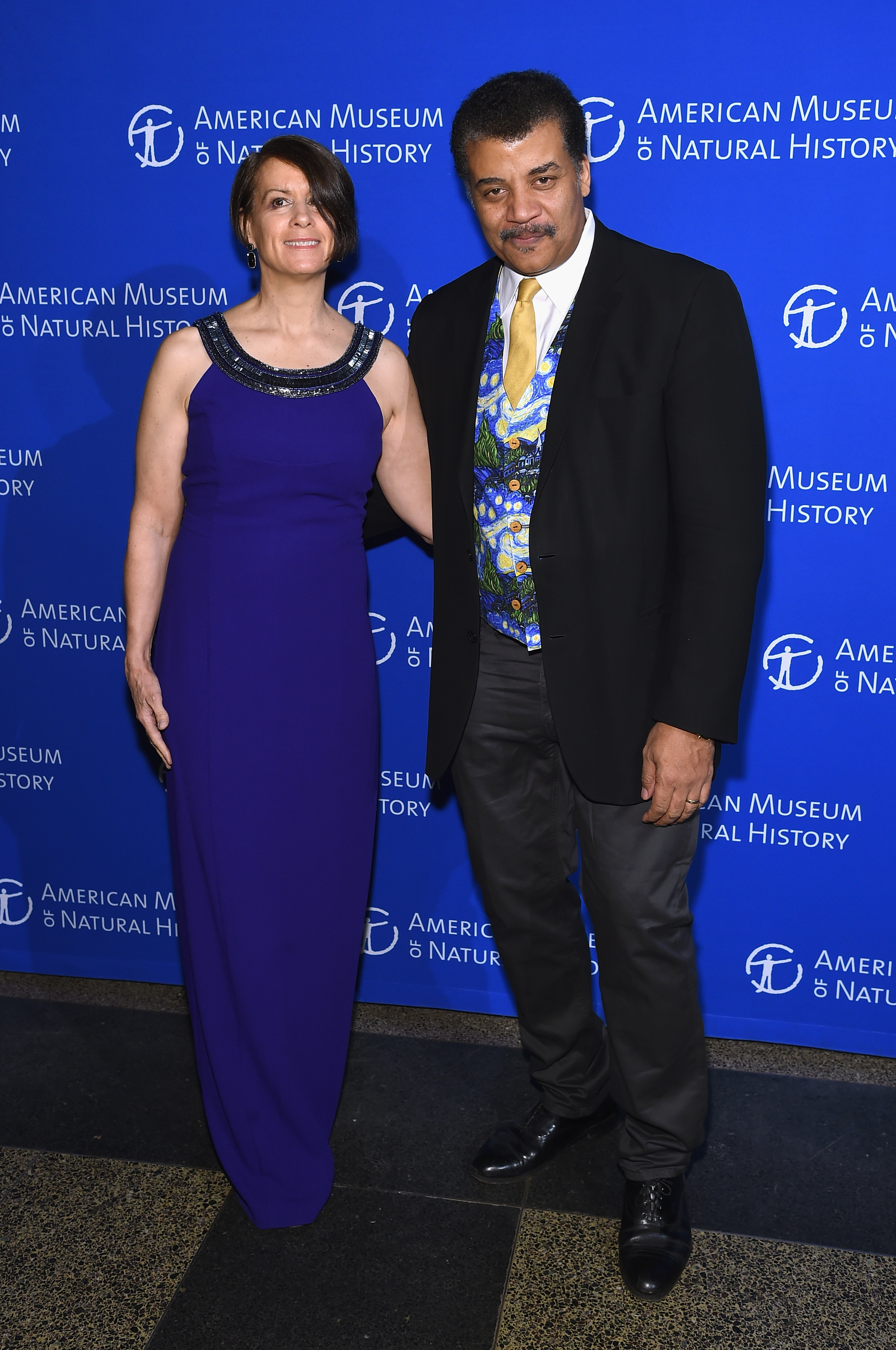 Neil deGrasse Tyson and Alice Young attend the American Museum Of Natural History's 2017 Museum Gala at American Museum of Natural History on November 30, 2017 in New York City. (Photo by Jamie McCarthy/Getty Images)