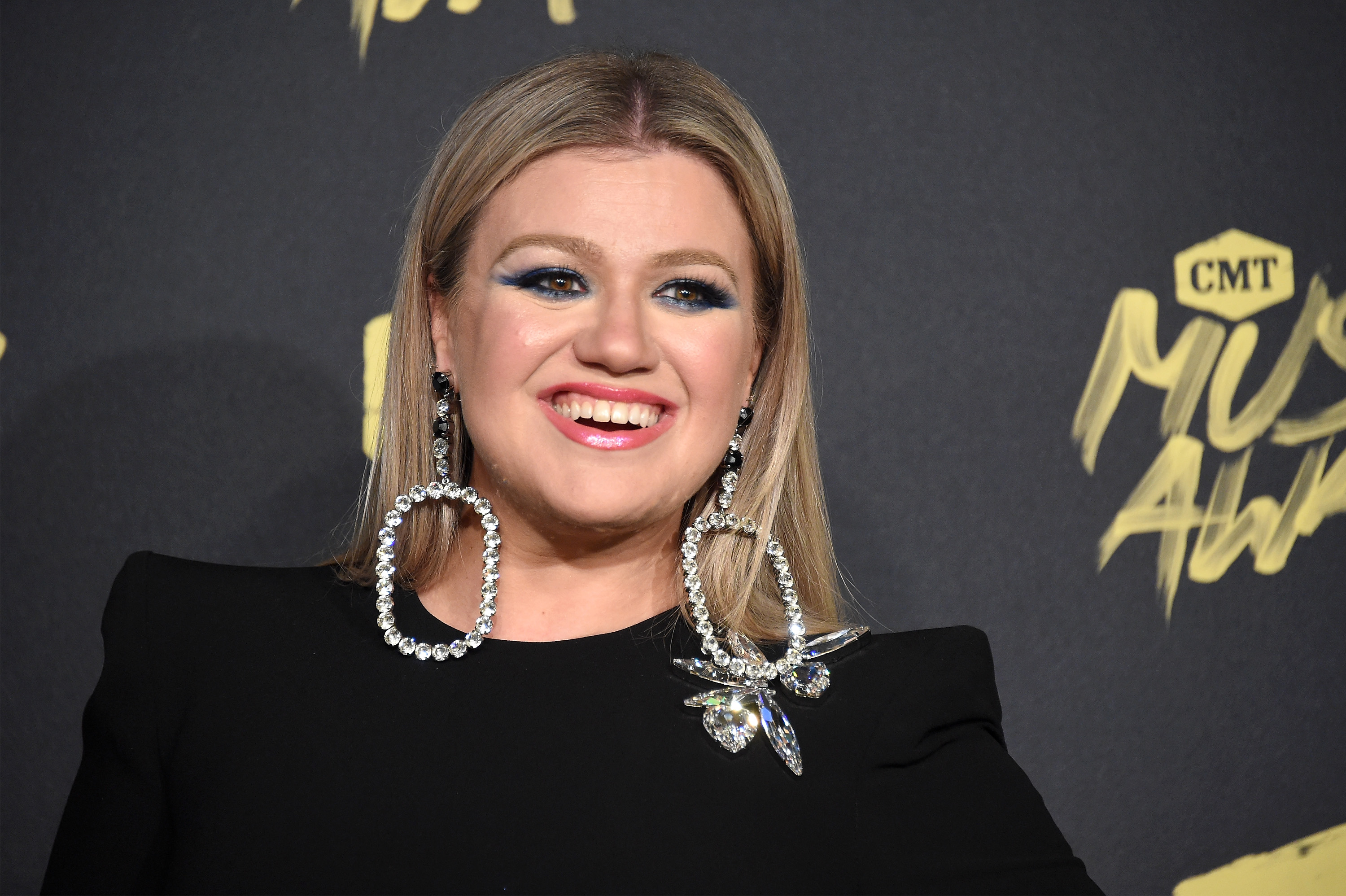 NASHVILLE, TN - JUNE 06: Kelly Clarkson attends the 2018 CMT Music Awards at Bridgestone Arena on June 6, 2018 in Nashville, Tennessee. (Photo by Mike Coppola/Getty Images for CMT)