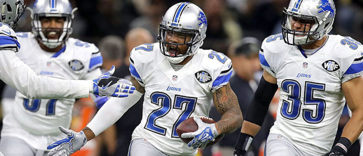 NEW ORLEANS, LA - DECEMBER 04: Glover Quin #27 of the Detroit Lions reacts with teammates after intercepting a pass druing the second half of a game against the New Orleans Saints at the Mercedes-Benz Superdome on December 4, 2016 in New Orleans, Louisiana. (Photo by Sean Gardner/Getty Images)