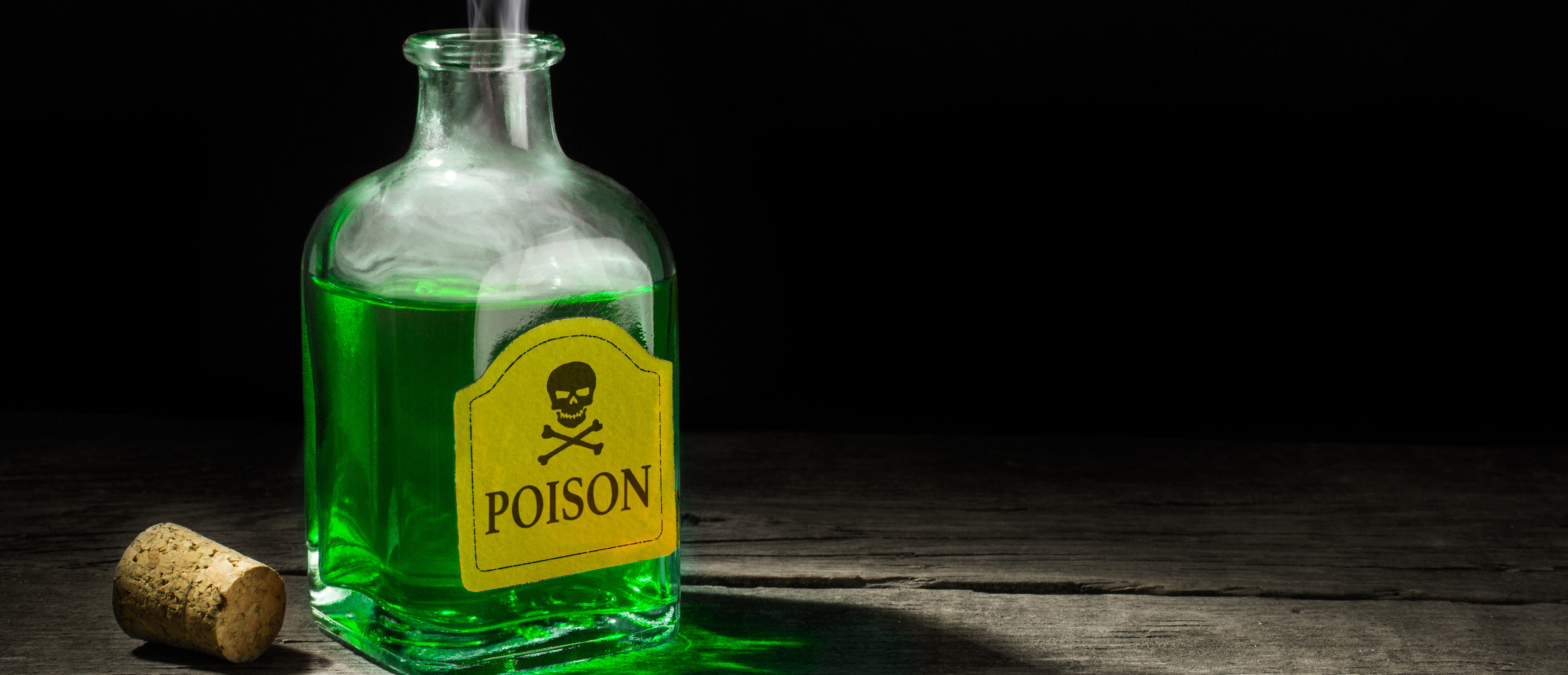 The co-owner of an Arizona newspaper used the publication to levy allegations against his wife, accusing her of poisoning him and failing to report her side of the story. (Shutterstock/ADragan)