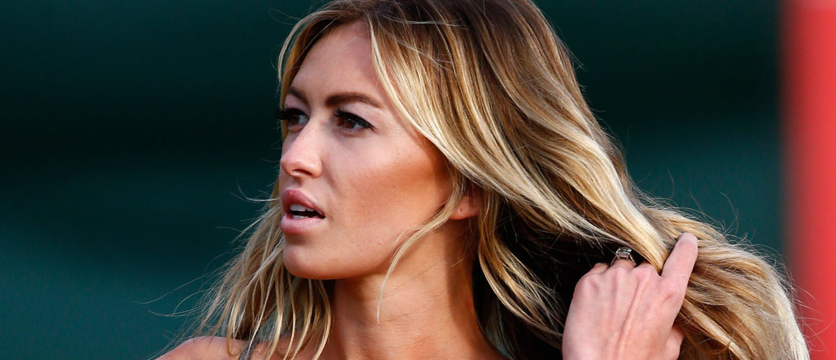 LAHAINA, HI - JANUARY 03: Paulina Gretzky watches the play of Dustin Johnson during round one of the Hyundai Tournament of Champions at the Plantation Course at Kapalua Golf Club on January 3, 2014 in Lahaina, Hawaii. (Photo by Tom Pennington/Getty Images)