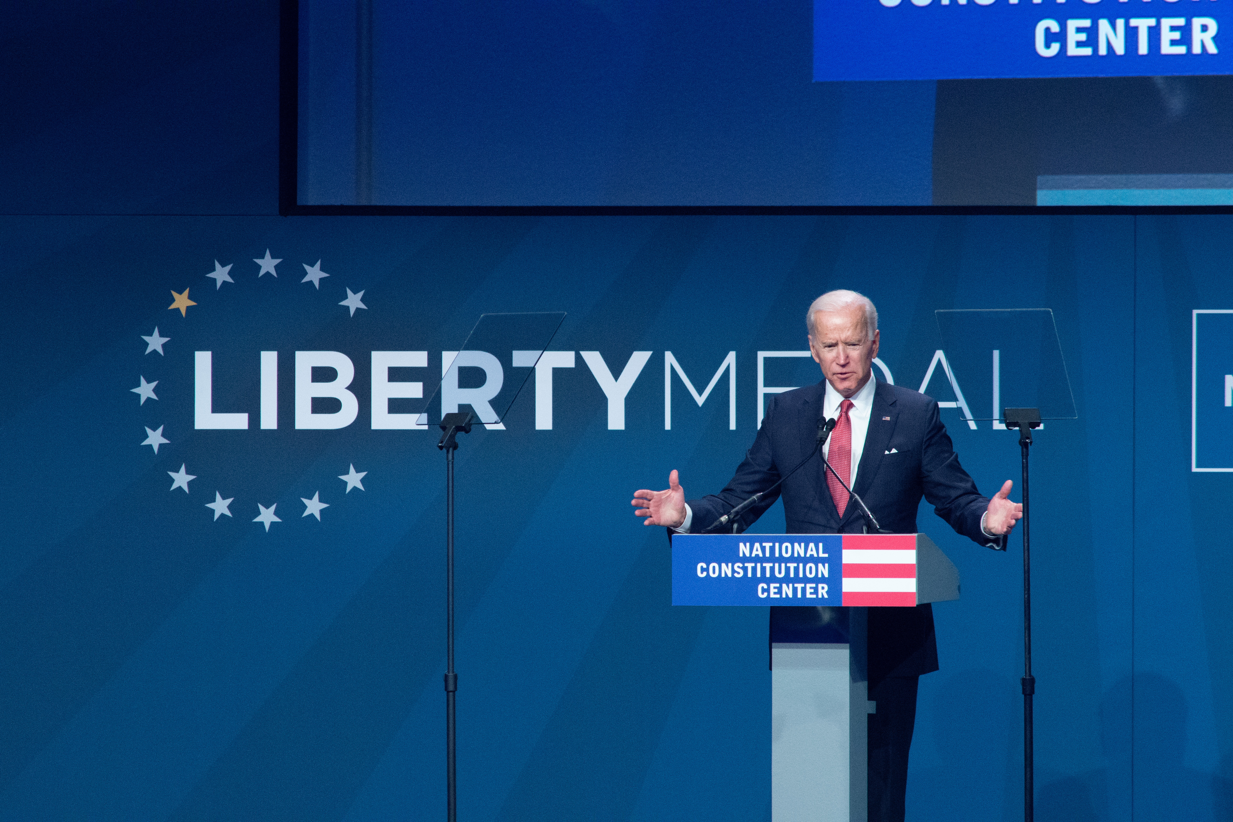 Former Vice President Joe Biden introduces former US President George W. Bush and Laura Bush to receive the 2018 Liberty Medal at The National Constitution Center on November 11, 2018 in Philadelphia, Pennsylvania. (William Thomas Cain/Getty Images)