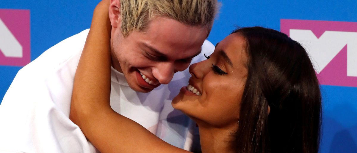 2018 MTV Video Music Awards - Arrivals - Radio City Music Hall, New York, U.S., August 20, 2018. - Pete Davidson and Ariana Grande. REUTERS/Andrew Kelly/File Photo