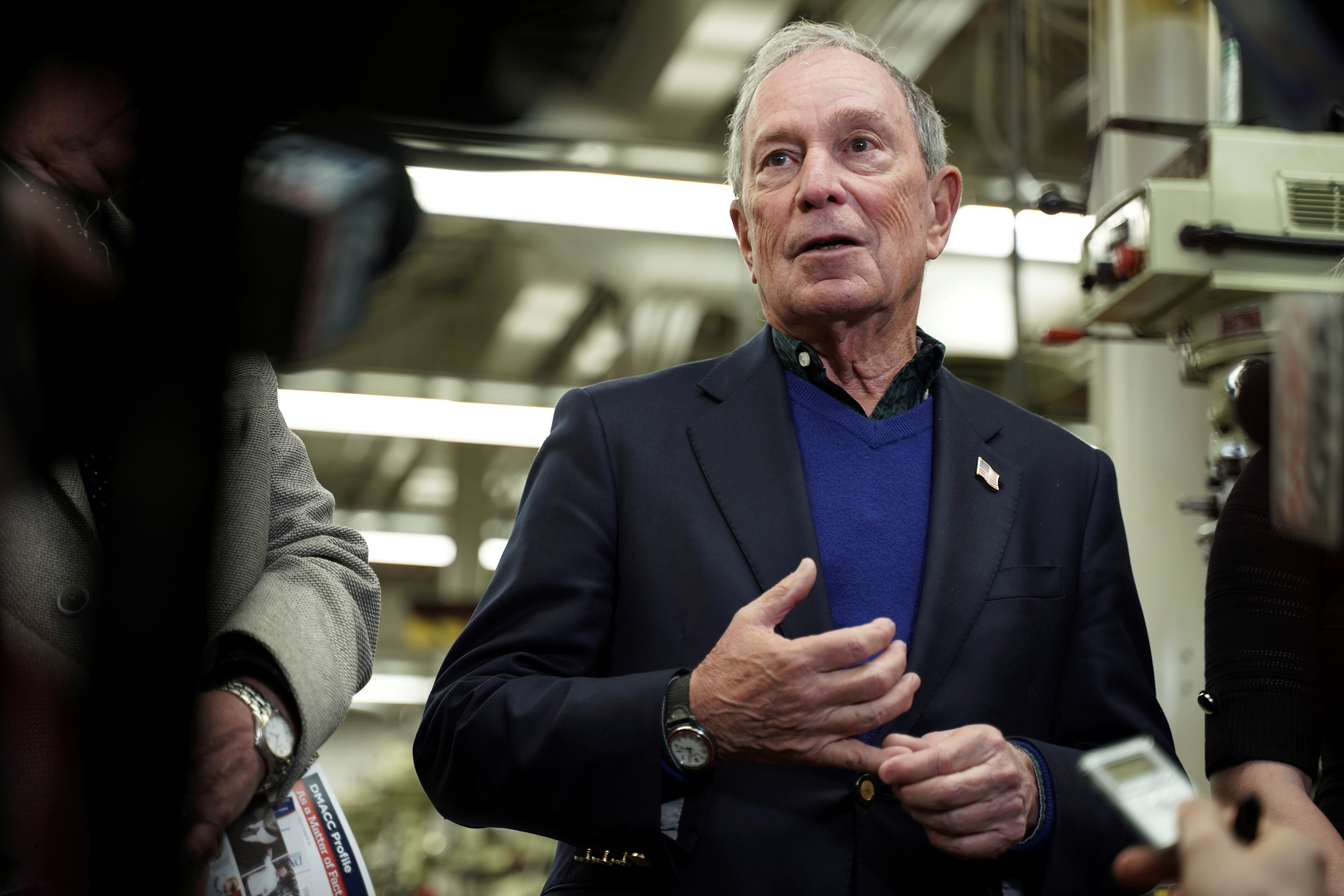 Mike Bloomberg tours Des Moines Area Community College in Ankeny, Iowa
