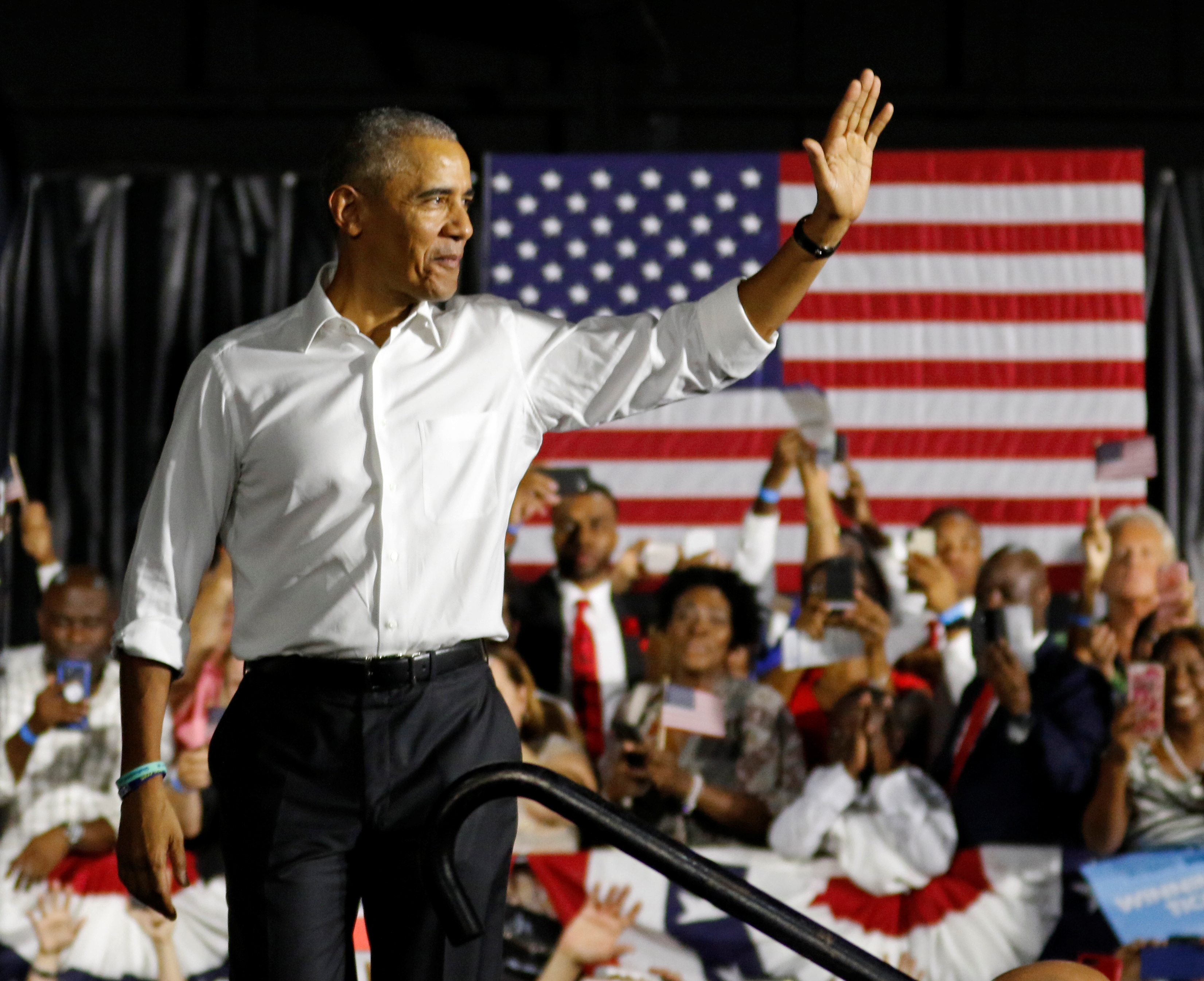 Obama campaigns for Democrats in Miami