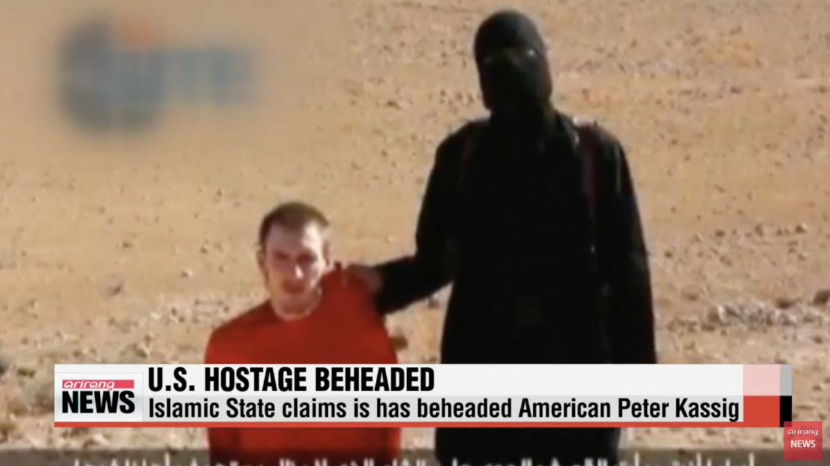 Peter Kassig murder by ISIS (screenshot from ARIRANG NEWS YouTube)
