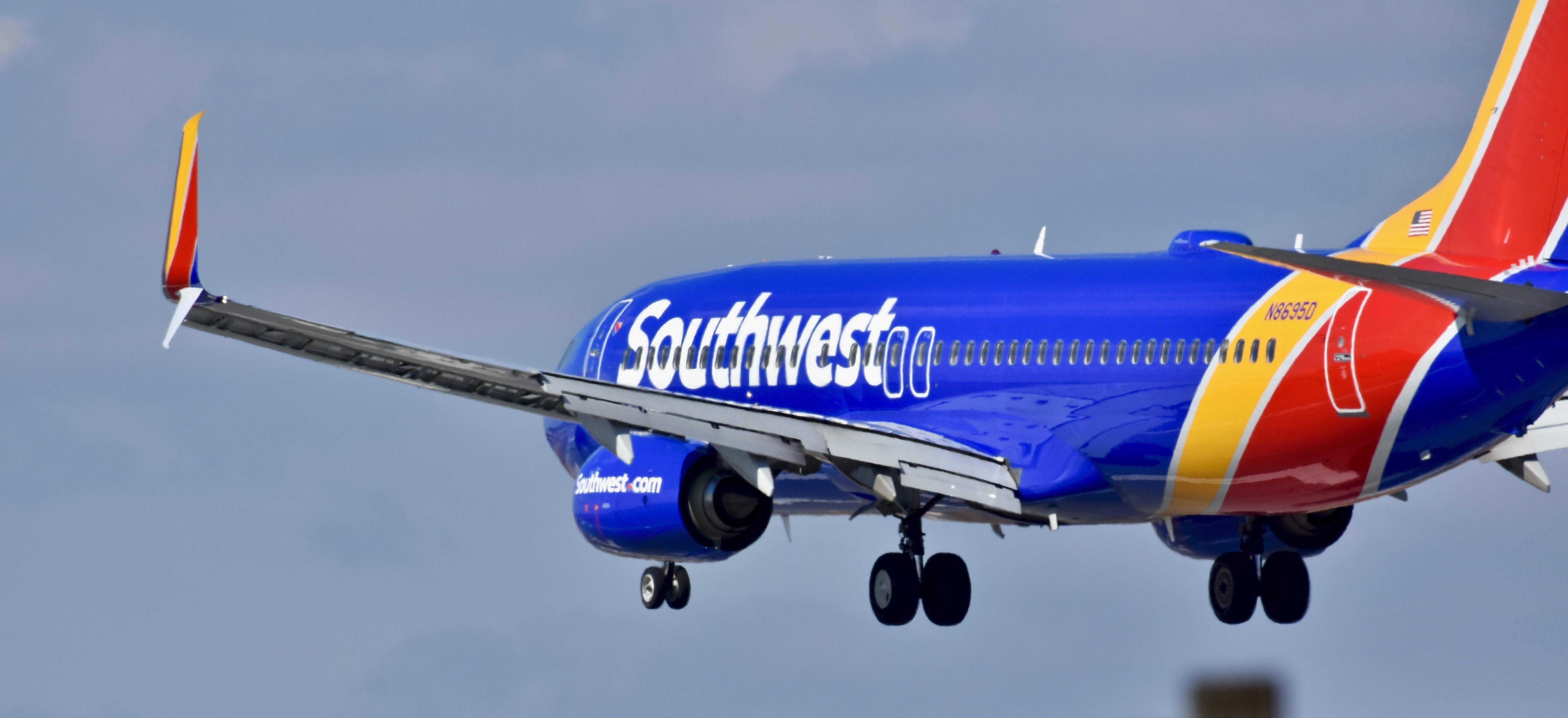 Southwest Plane (Shutterstock/Jeramey Lende)