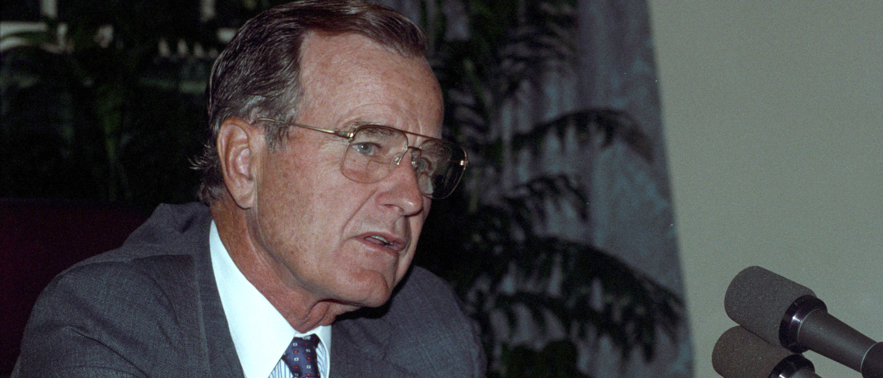 President George H.W. Bush at the White House after he addressed the tens of thousands of U.S. troops defending Saudi Arabia August 29, 1990. The Pentatgon says very few of the soldiers could hear the address because the military doesn't have a transmitter in Saudi Arabia. Reuters/Gary Cameron