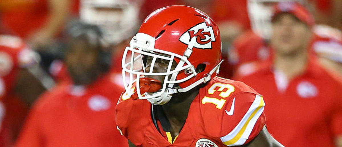 KANSAS CITY, MO - SEPTEMBER 17: De'Anthony Thomas #13 of the Kansas City Chiefs returns a punt during the game against the Denver Broncos at Arrowhead Stadium on September 17, 2015 in Kansas City, Missouri. (Photo by Ronald Martinez/Getty Images)