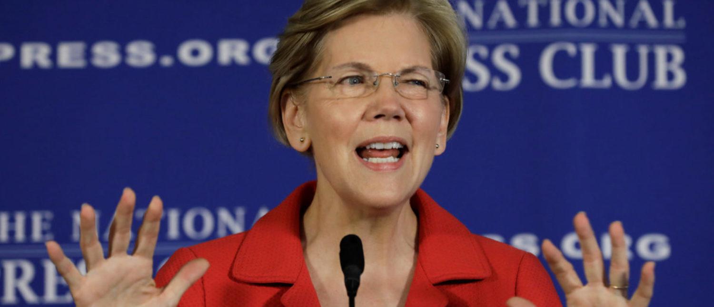 "U.S. Sen. Elizabeth Warren delivers a major policy speech on ""Ending corruption in Washington"" at the National Press Club, Washington, U.S., Aug. 21, 2018. REUTERS/Yuri Gripas"