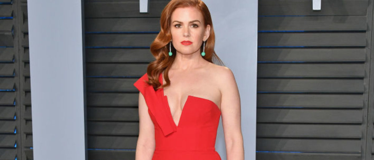 BEVERLY HILLS, CA - MARCH 04: Isla Fisher attends the 2018 Vanity Fair Oscar Party hosted by Radhika Jones at Wallis Annenberg Center for the Performing Arts on March 4, 2018 in Beverly Hills, California. (Photo by Dia Dipasupil/Getty Images)