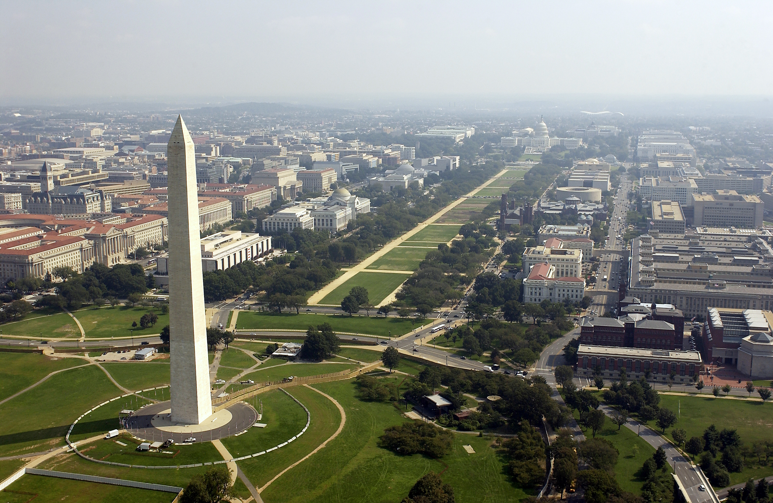 Aerial photo of the Washington Memorial with the Capitol in the background in Washington D.C. on September 26, 2003. (Photo by Andy Dunaway/USAF via Getty Images)