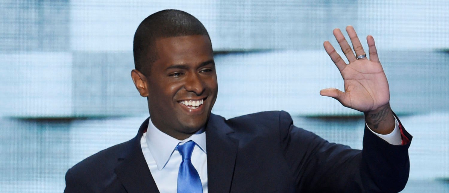 Former South Carolina State Representative Bakari Sellers addresses delegates on the fourth and final day of the Democratic National Convention at Wells Fargo Center on July 28, 2016 in Philadelphia, Pennsylvania. (Photo: SAUL LOEB/AFP/Getty Images)