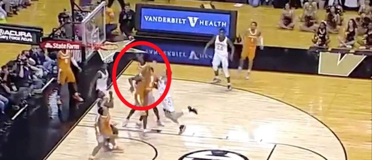 Tennessee Basketball Player Jordan Bowden Throws Down Massive Alley-Oop