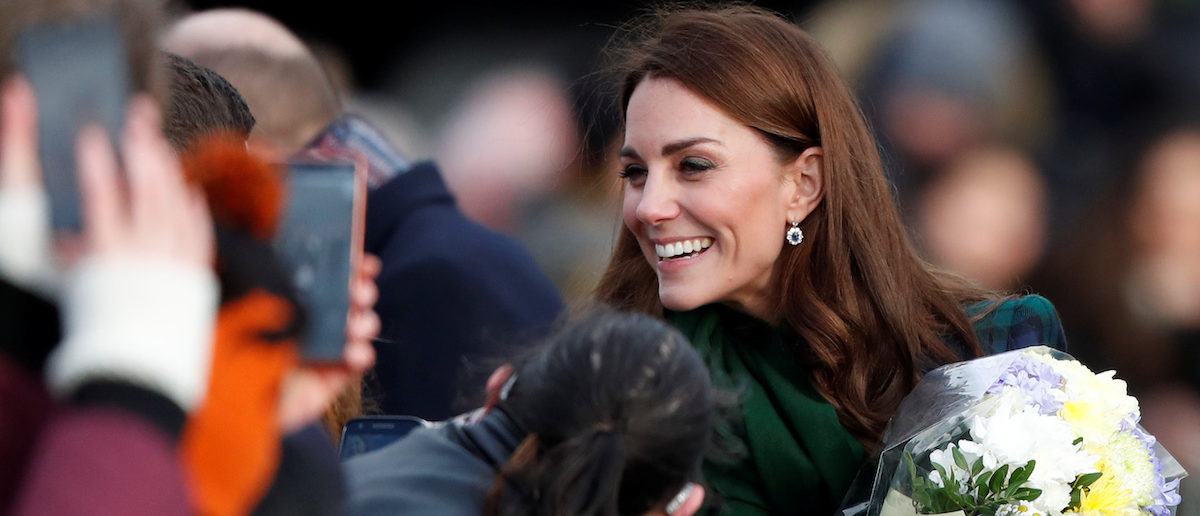 """Catherine, Duchess of Cambridge greets the crowd after visiting the """"V&A Dundee"""" museum in Dundee, Scotland, January 29, 2019. REUTERS/Russell Cheyne"""