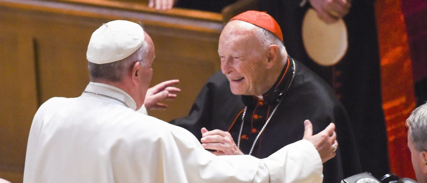 WASHINGTON, DC - SEPTEMBER, 23: Cardinal Archbishop emeritus Theodore McCarrick (C) greets Pope Francis (L) during Midday Prayer of the Divine with more than 300 U.S. Bishops at the Cathedral of St. Matthew the Apostle on September 23, 2015 in Washington, DC. (Photo by Jonathan Newton-Pool/Getty Images)