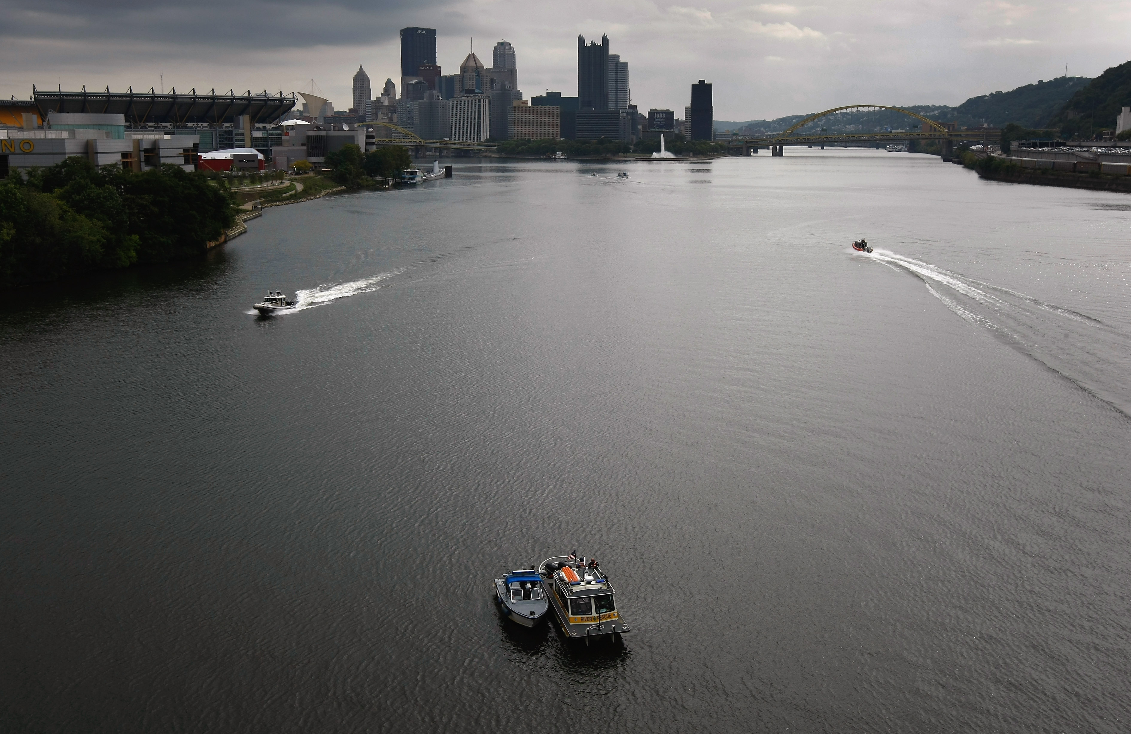 PITTSBURGH - SEPTEMBER 23: Law enforcement boats patrol the Ohio River ahead of the G-20 summit on September 23, 2009 in Pittsburgh, Pennsylvania. Dakota James' body was found in this river March 6, 2017. (Photo by John Moore/Getty Images)