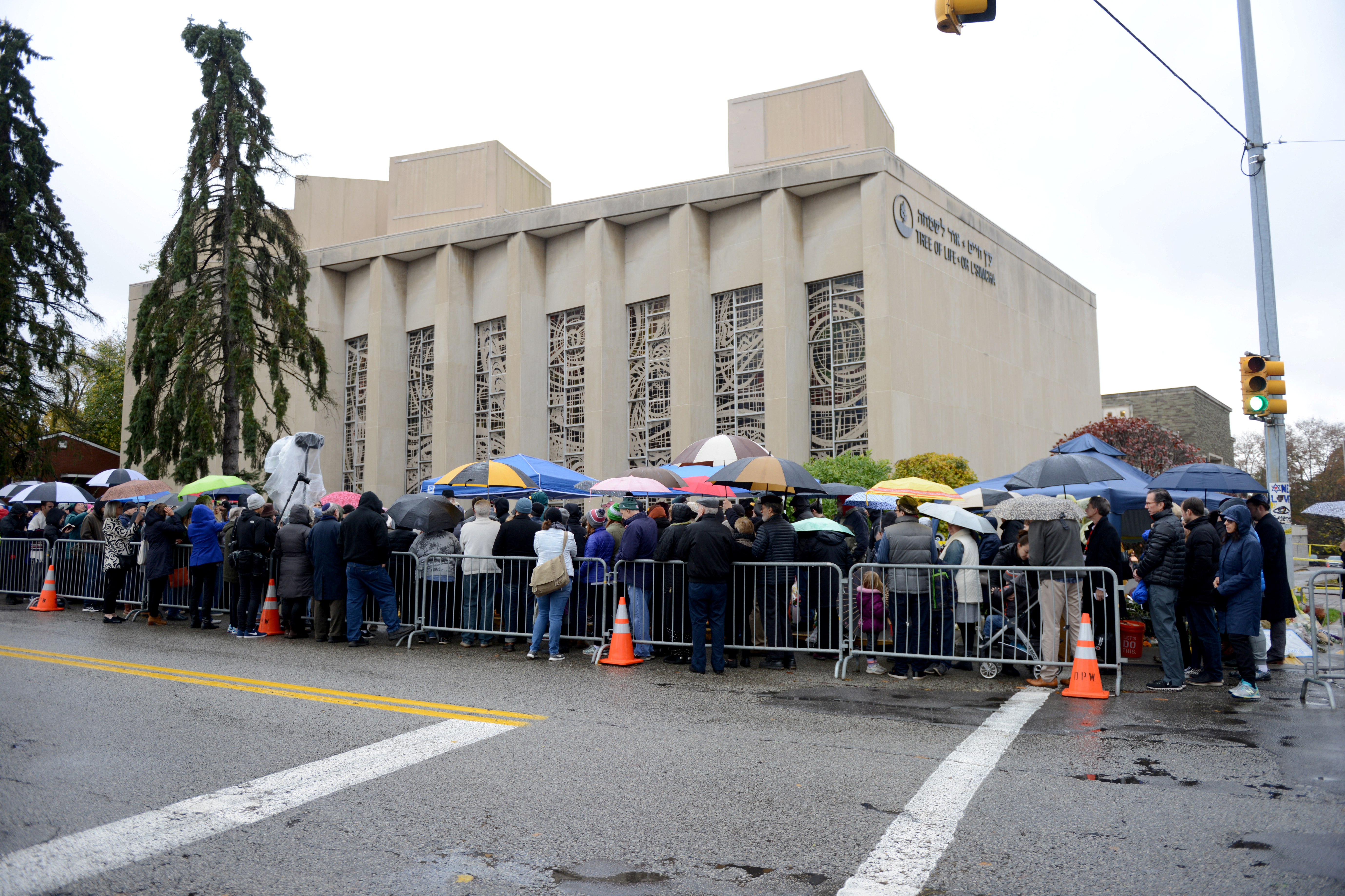 A crowd attends a vigil outside the Tree of Life synagogue Tree of Life  synagogue cb7c54217