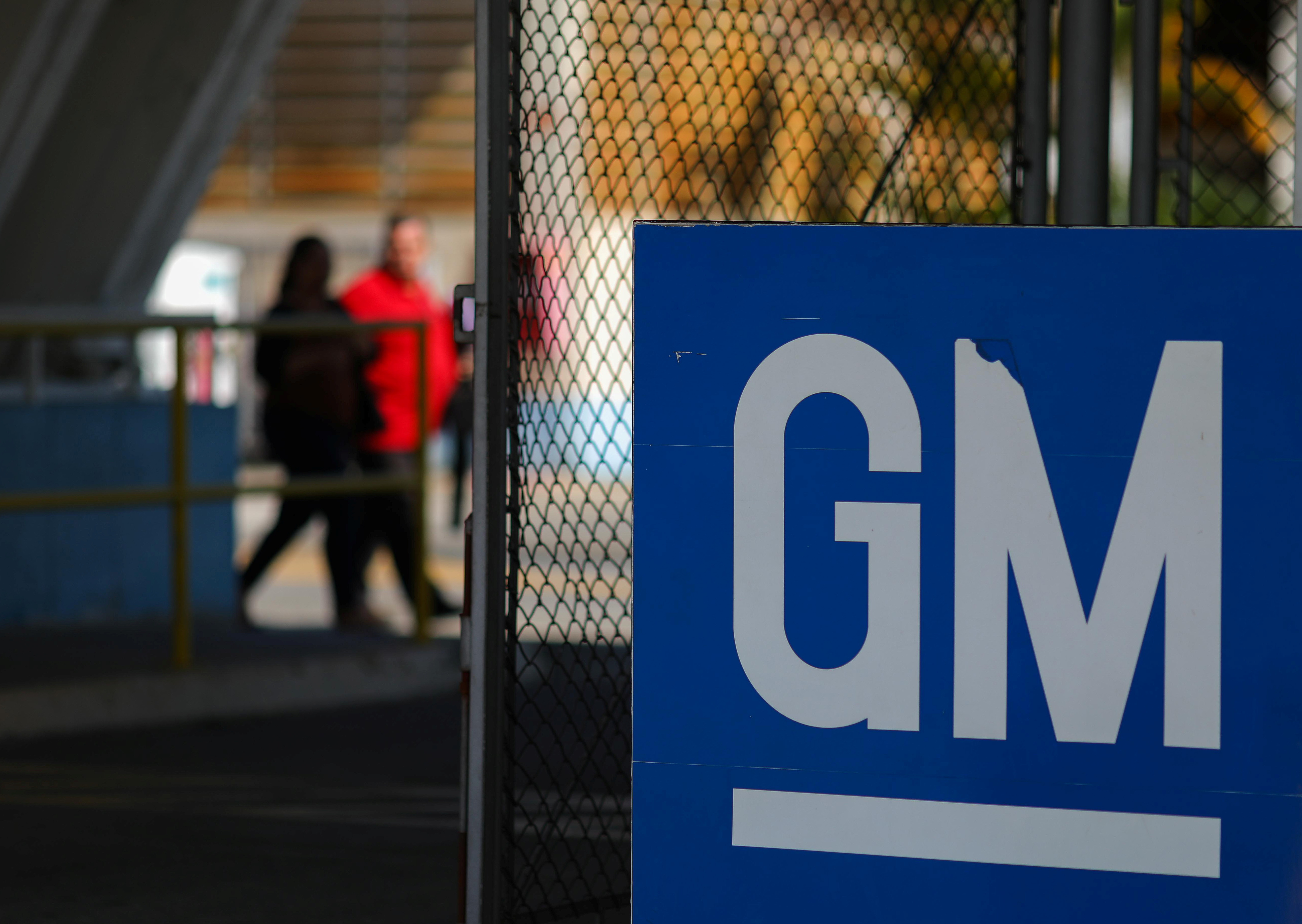 Trump talks to GM CEO about OH  plant closure