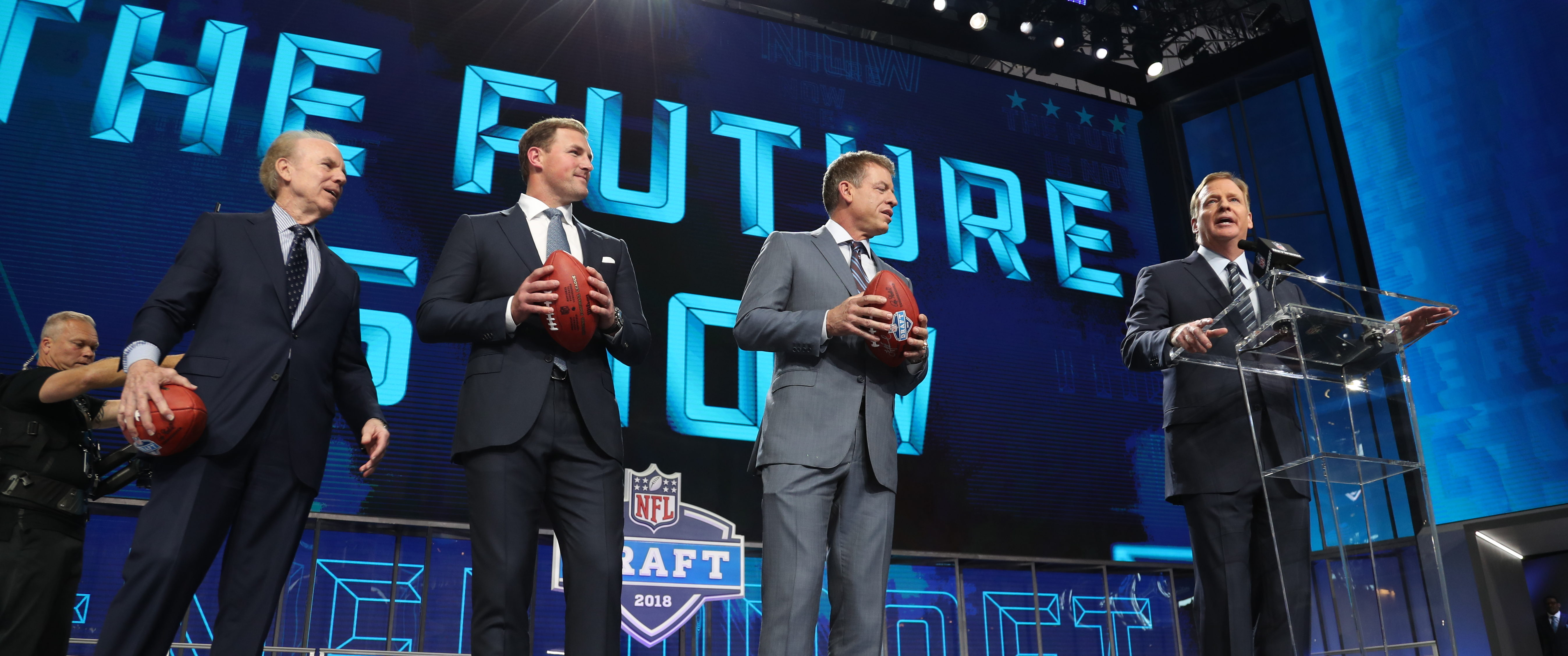 Apr 26, 2018; Arlington, TX, USA; NFL commissioner Roger Goodell starts the 2018 Draft with (from left) Roger Staubach Jason Witten and Troy Aikman to start the first round of the 2018 NFL Draft at AT&T Stadium. (Matthew Emmons-USA TODAY Sports)