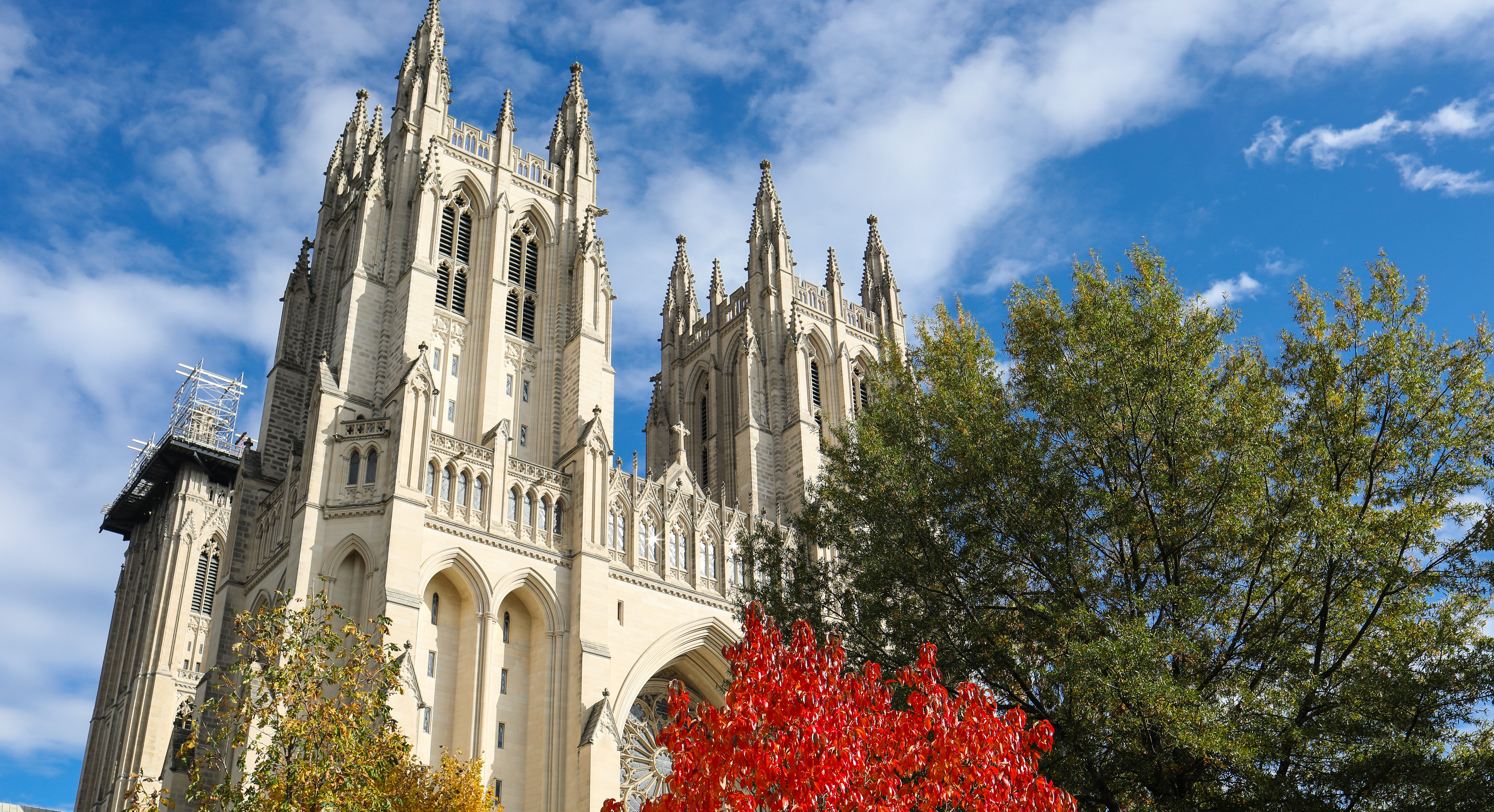 Washington National Cathedral (Shutterstock/Nicole S Glass)