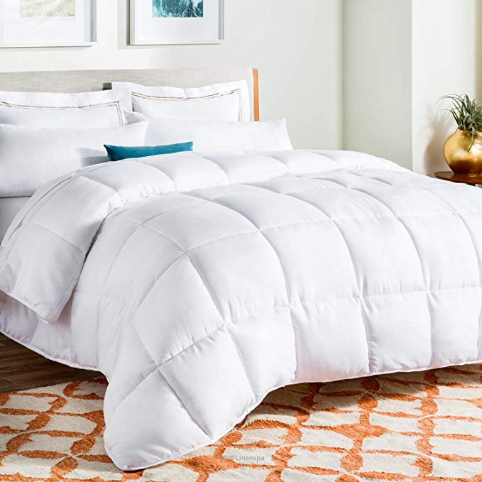 Normally $80, this queen-sized comforter is 63 percent off (Photo via Amazon)
