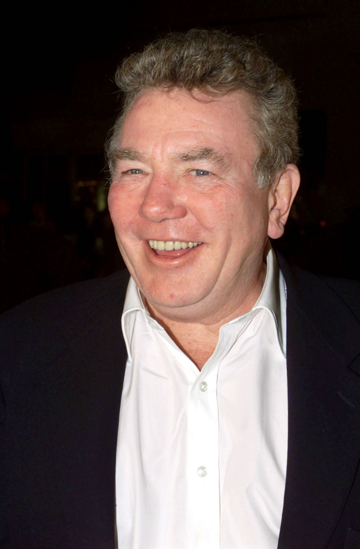 "Actor Albert Finney, one of the stars of the new film "" Erin Brockovich"", arrives for the film's premiere March 14 in Los Angeles. The film, based on a true story, is about a woman who brought a small town to its feet and a huge company to its knees, after discovering the town was using contaminated water. Finney portrays attorney Ed Masry and [Julia Roberts] portrays Erin Brockovich in the film. - Media: Reuters/ Kieran Doherty"