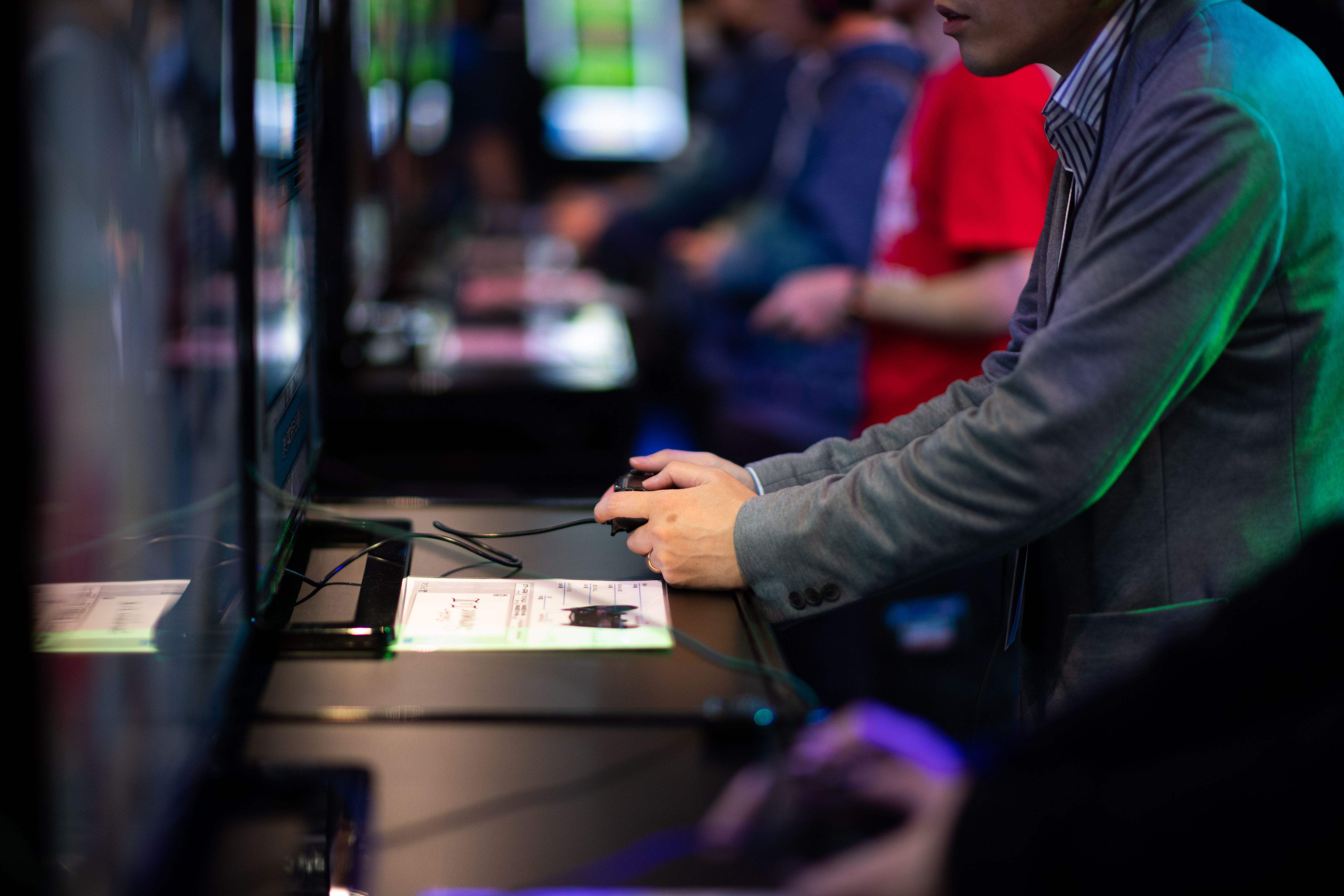 A visitor plays video games at the Tokyo Game Show on September 21, 2018. (MARTIN BUREAU/AFP/Getty Images)