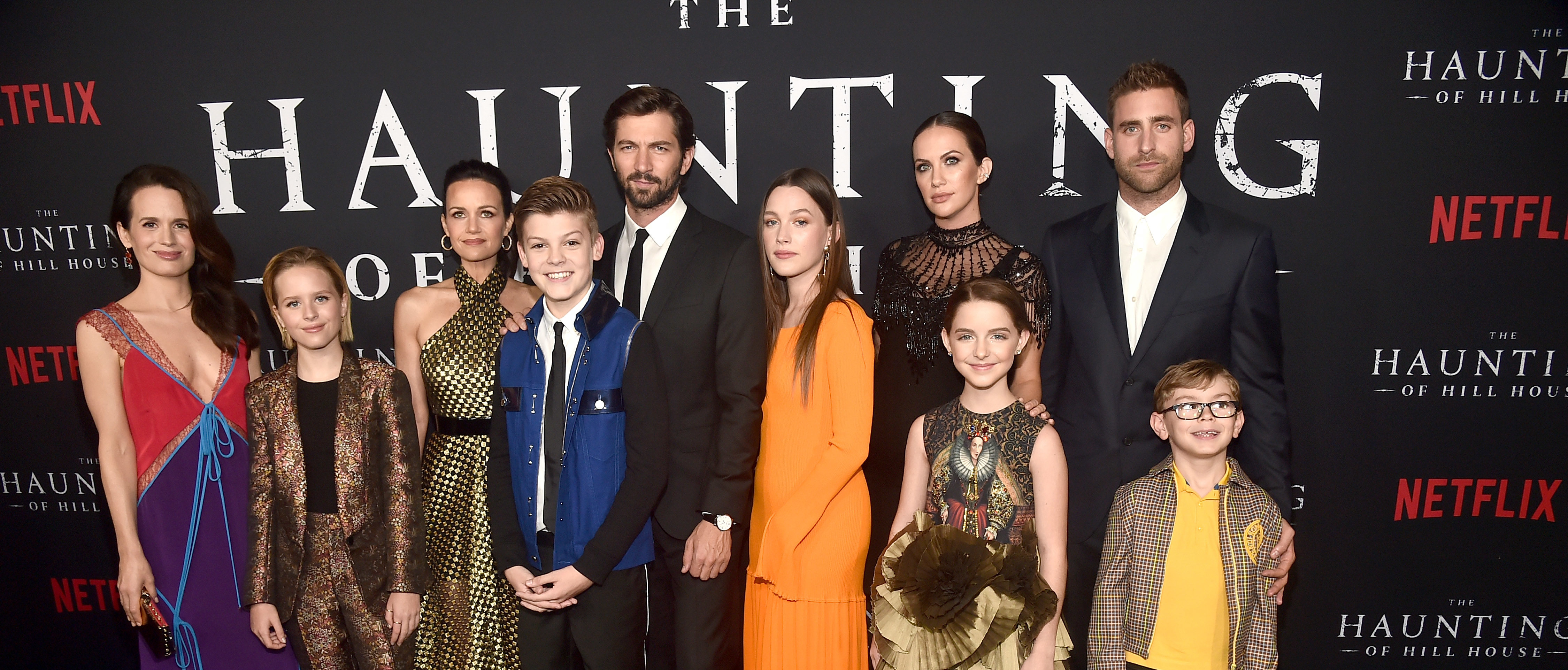 """HOLLYWOOD, CA - Elizabeth Reaser, Lulu Wilson, Carla Gugino, Paxton Singleton, Michiel Huisman, Victoria Pedretti, Kate Siegel, Mckenna Grace, Oliver Jackson-Cohen and Julian Hilliard attend the premiere of Neflix's """"The Haunting Of Hill House"""" on October 8, 2018 in (Photo by Alberto E. Rodriguez/Getty Images)"""