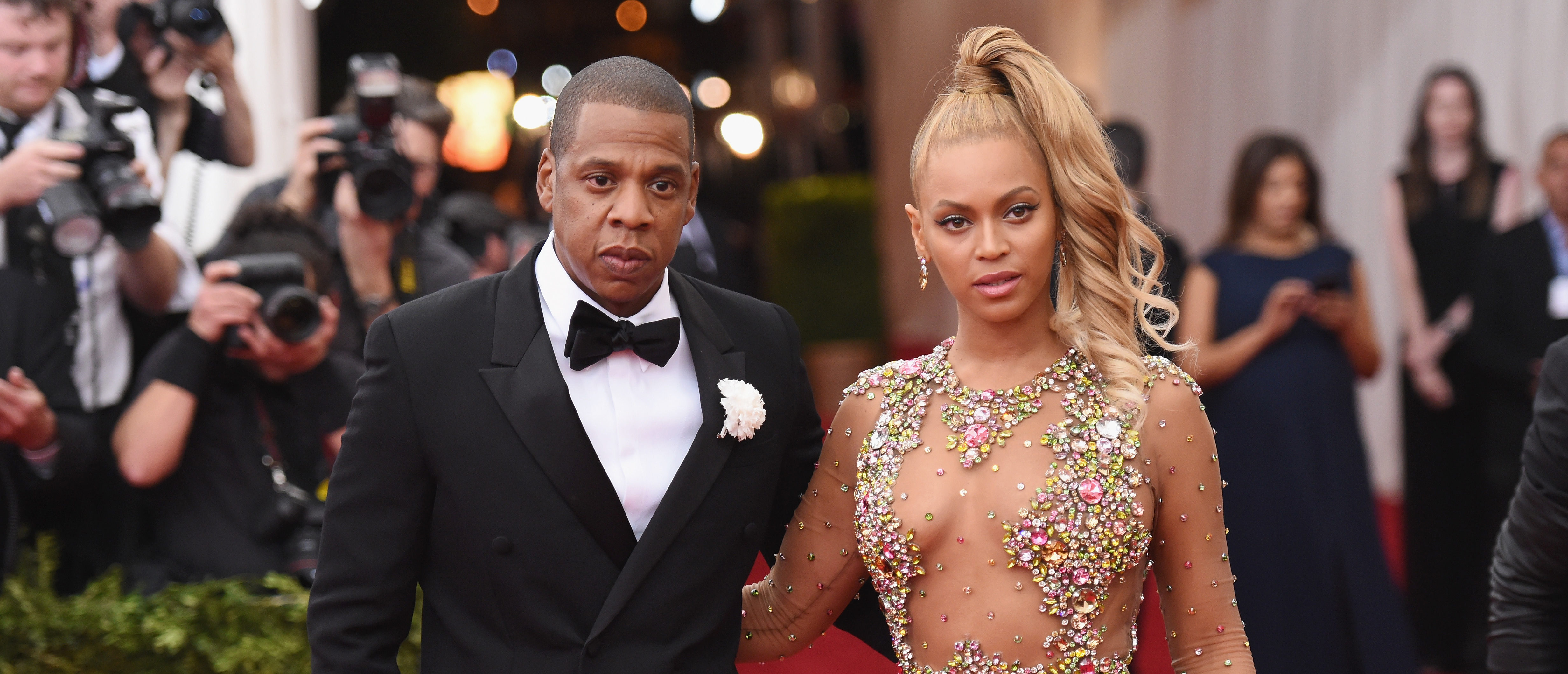 """NEW YORK, NY - MAY 04: Jay Z (L) and Beyonce attend the """"China: Through The Looking Glass"""" Costume Institute Benefit Gala at the Metropolitan Museum of Art on May 4, 2015 in New York City. (Photo by Mike Coppola/Getty Images)"""