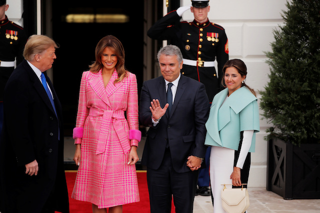 U.S. President Donald Trump and first lady Melania Trump welcome Colombian President Ivan Duque and his wife Maria Juliana Ruiz to the White House in Washington, U.S., February 13, 2019. REUTERS/Carlos Barria