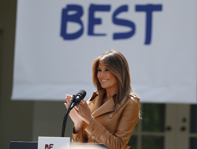 "U.S. first lady Melania Trump delivers remarks at the ""launch of her Be Best initiatives in the Rose Garden of the White House in Washington, U.S., May 7, 2018. REUTERS/Kevin Lamarque"