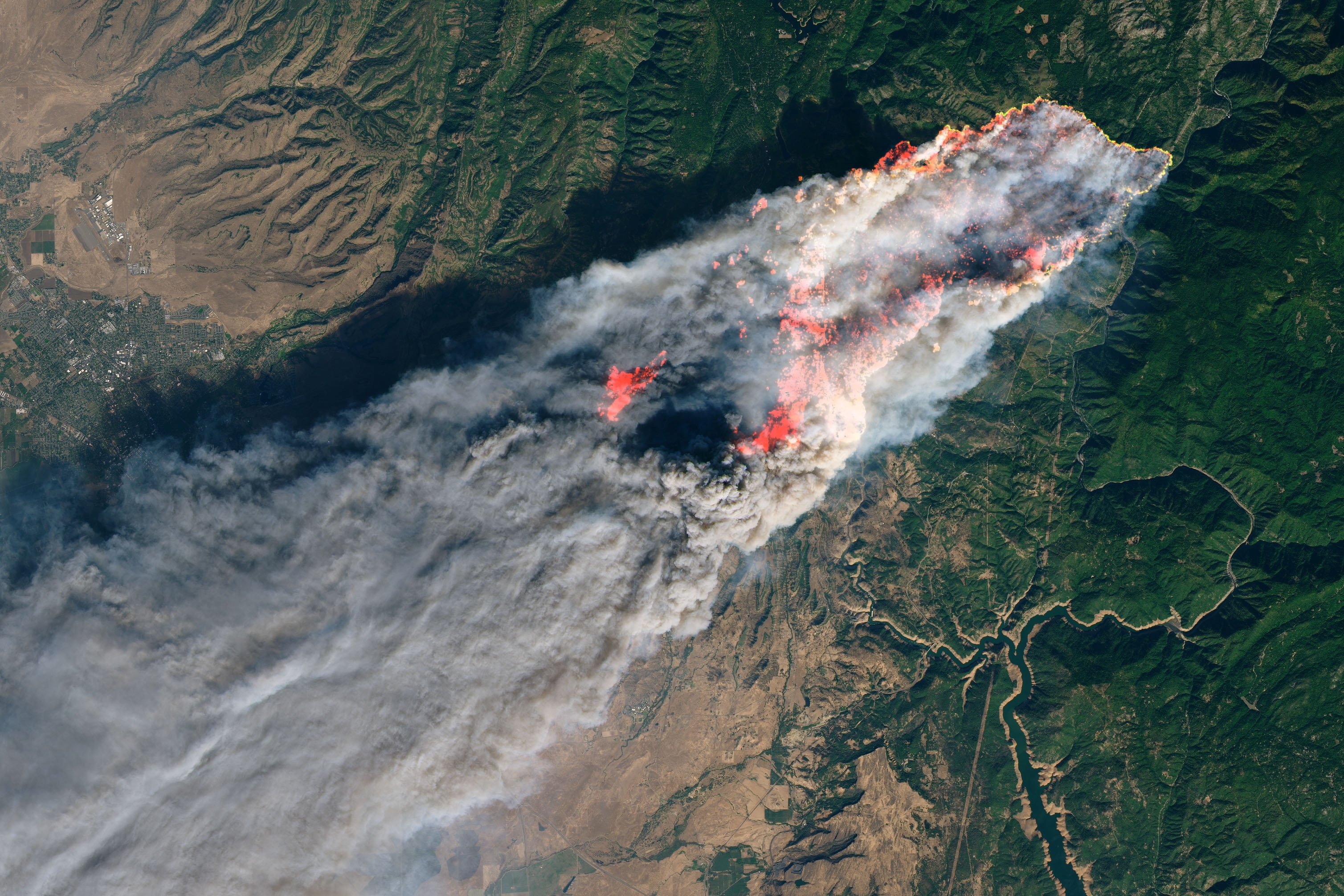 NASA's Operational Land Imager satellite image of Camp Fire burning near Paradise