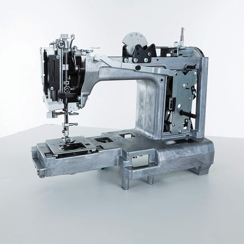 Take 41 percent off this Heavy Duty Singer Machine (Photo via Amazon)