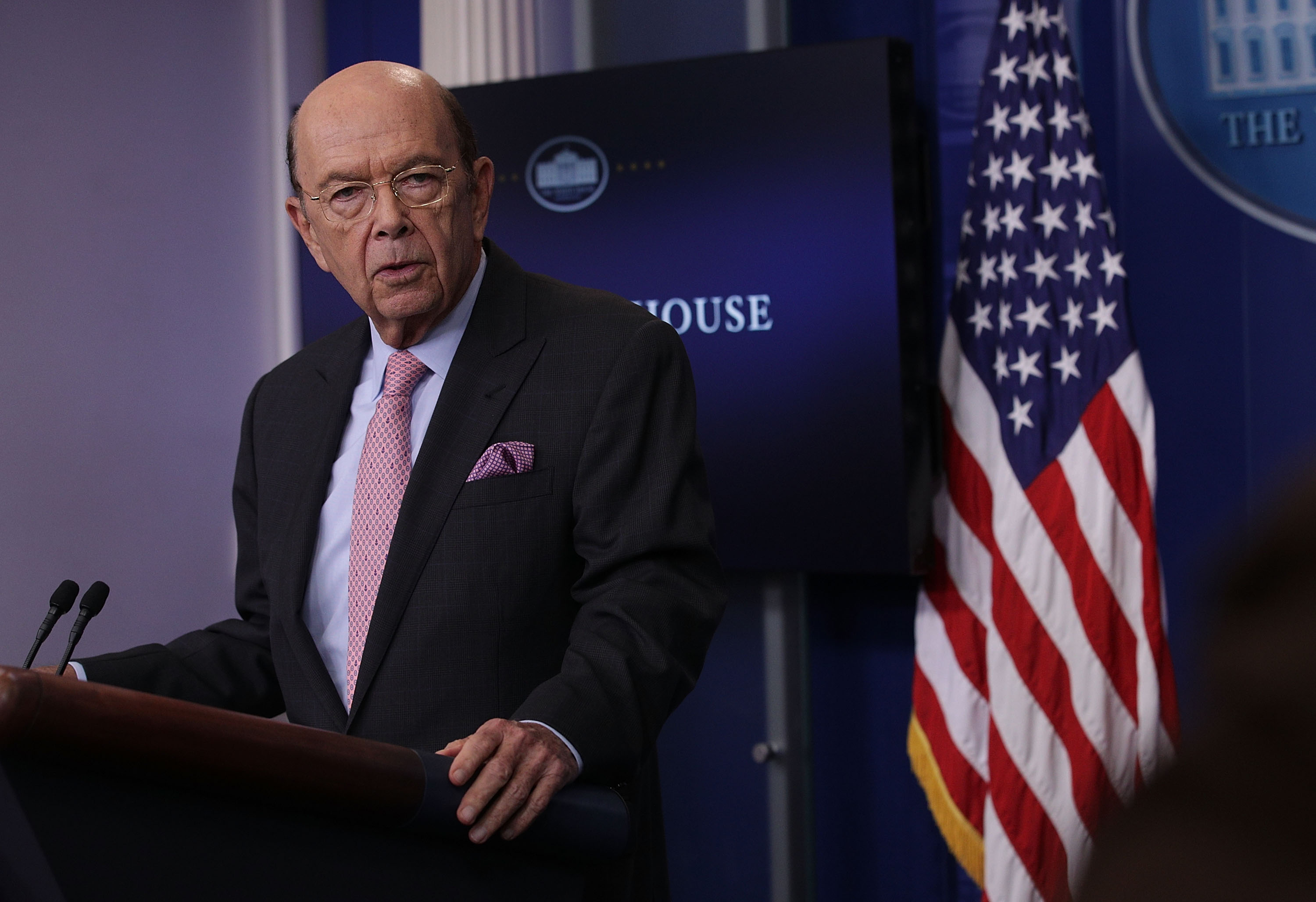 Secretary of Commerce Wilbur Ross discusses the new U.S. tariff on Canadian softwood lumber during the White House daily briefing on April 25, 2017 (Alex Wong/Getty Images)