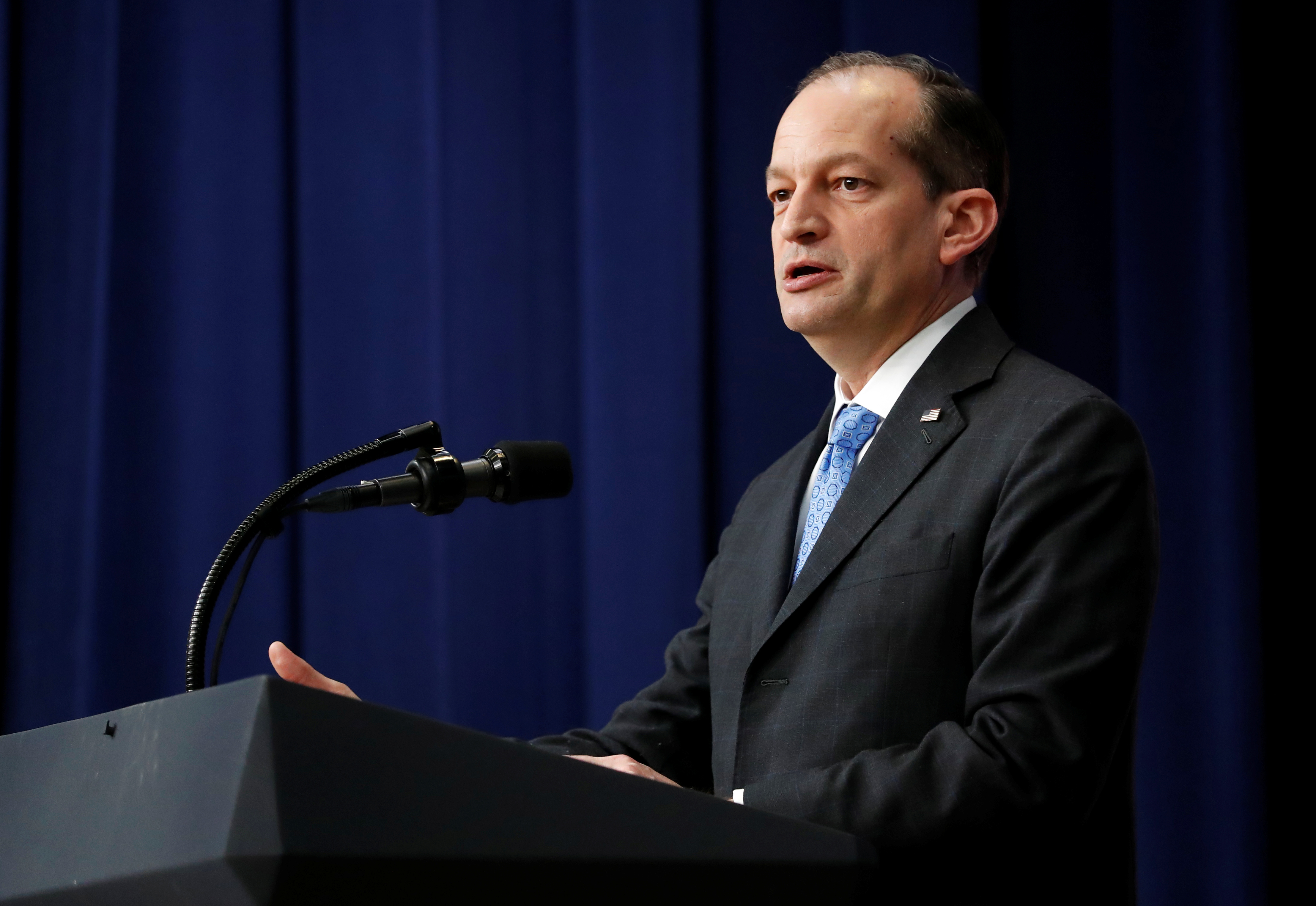 "U.S. Labor Secretary Alexander Acosta speaks before U.S. President Donald Trump at an event for ""supporting veterans and military families"" at the White House in Washington, U.S. November 15, 2018. REUTERS/Leah Millis"
