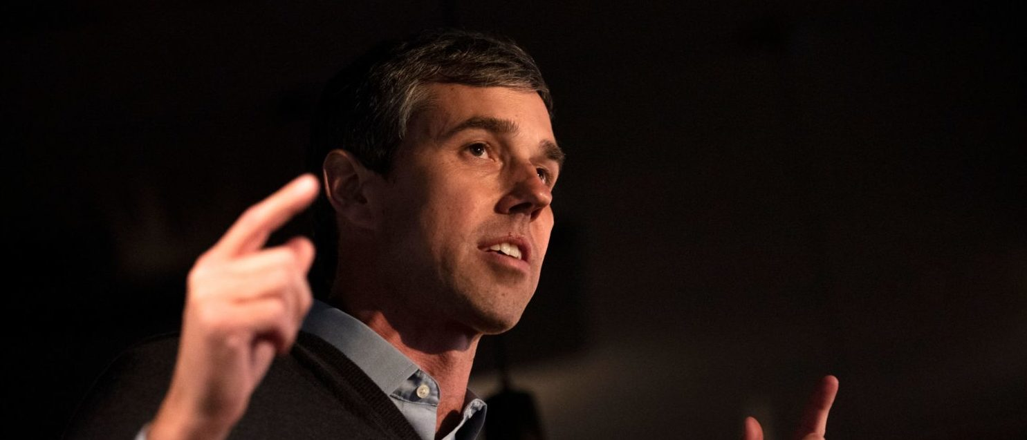 Former Texas Congressman and Democratic party presidential candidate Beto O'Rourke speaks to diners at The Pig & Porter restaurant in Cedar Rapids, Iowa on March 15, 2019. - Beto O'Rourke, a skateboarding former punk rocker feted as one of the Democratic Party's rising stars, announced Thursday he is running for president -- joining a crowded field of candidates vying to challenge US President Donald Trump in 2020. O'Rourke has been discussed as a potential frontrunner since dazzling the grassroots during an unexpectedly tight race last year to unseat Texas Republican Senator Ted Cruz. (Photo by STEPHEN MATUREN/AFP/Getty Images)