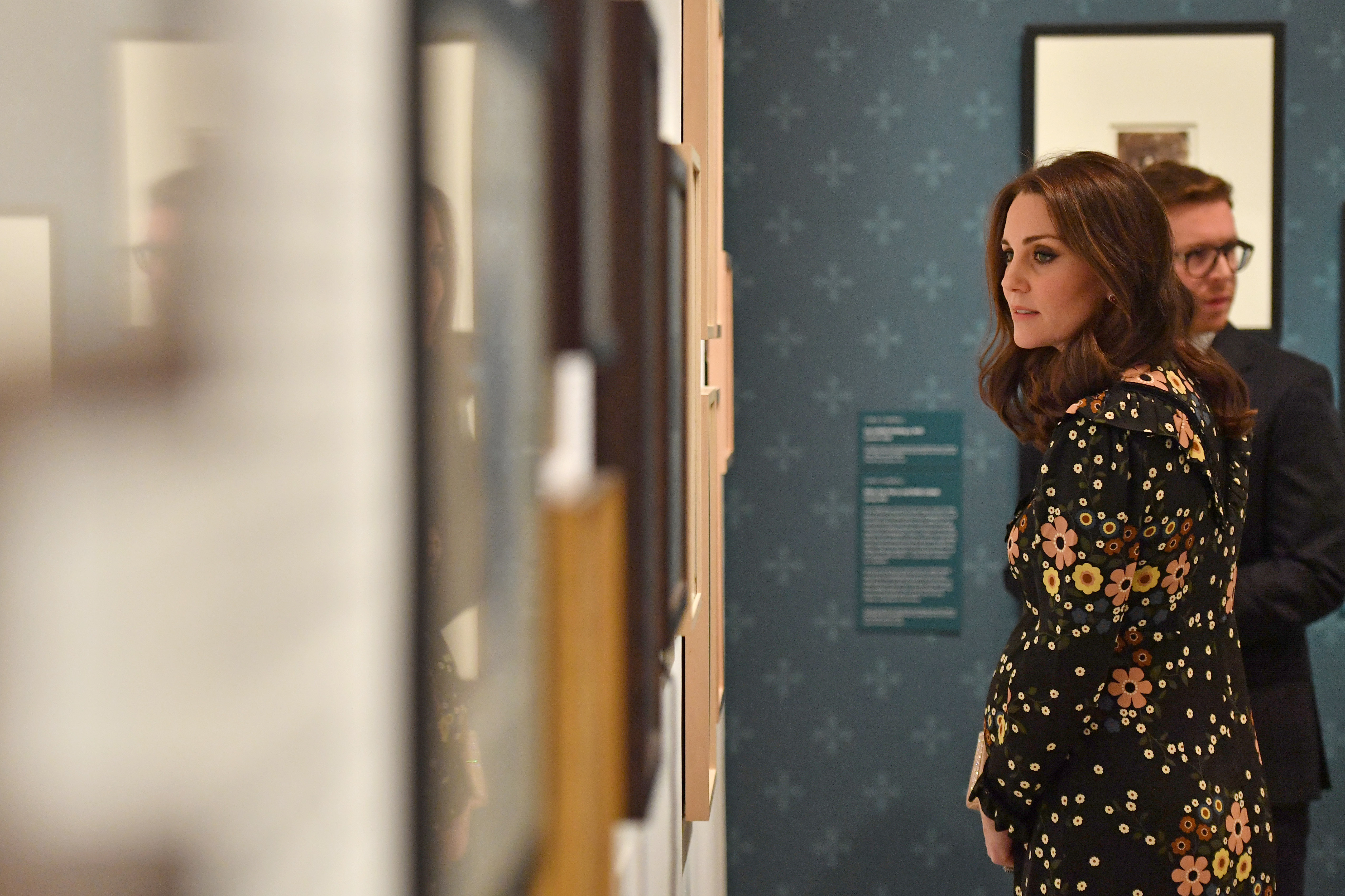 Catherine, Duchess of Cambridge visits the 'Victorian Giants' exhibition at National Portrait Gallery on February 28, 2018 in London, England. (Photo by Ben Stansall - Pool/Getty Images)